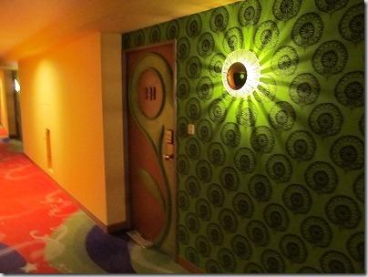ハッピーマジックフロア ドア