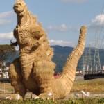 【画像あり】藁で作ったというシン・ゴジラを近くまで見に行ってきました