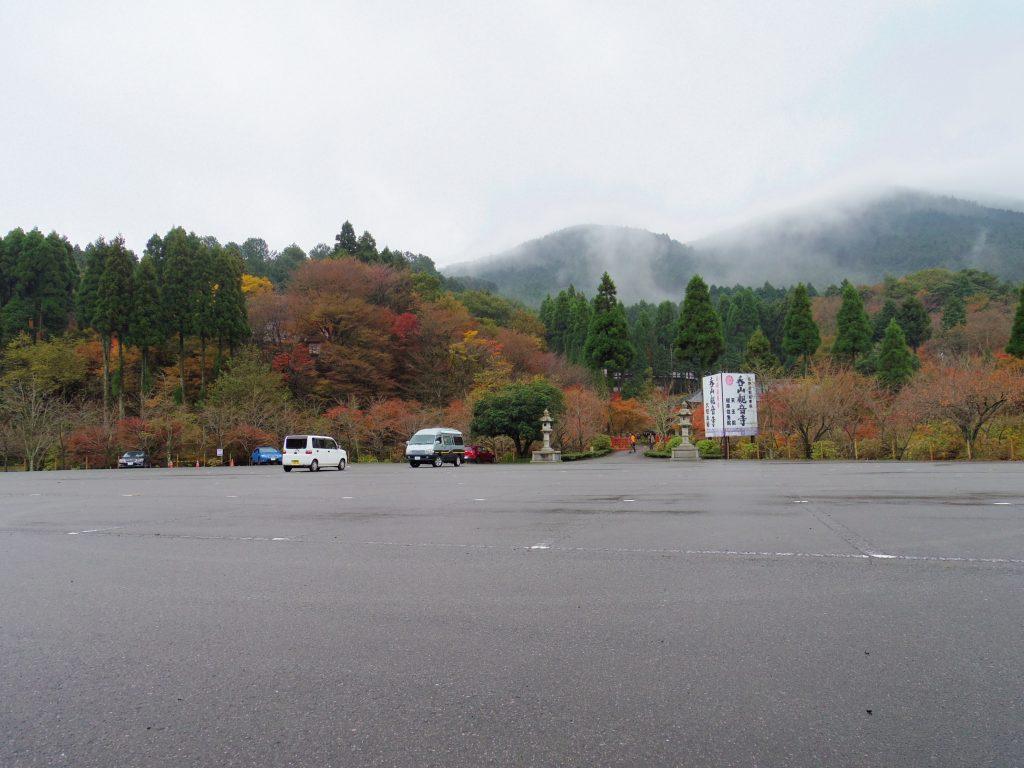 呑山観音寺大駐車場