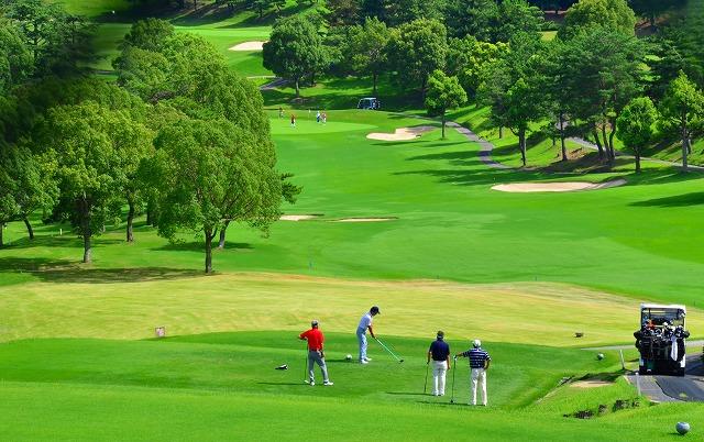 沖縄県内にあるゴルフショートコース場の情報はこちら(一人ラウンド・予約なしもアリ)