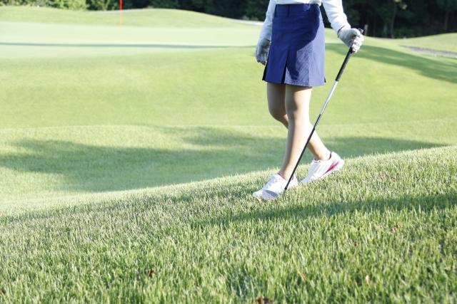 ゴルフ場女性
